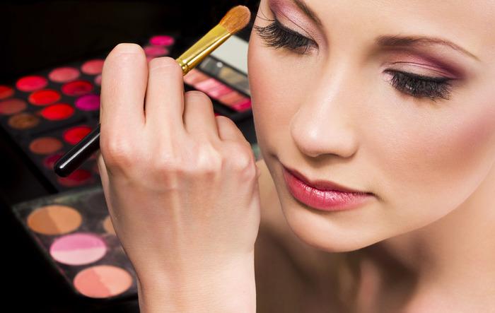 Right Makeup For Sensitive Skin