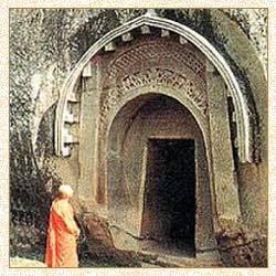 Amazingv Rock Cut Caves In India - Barabar Caves, Bihar