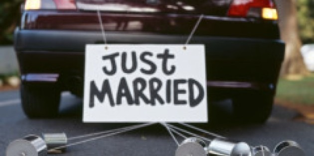 Why Should Married Women Change Their Surname?