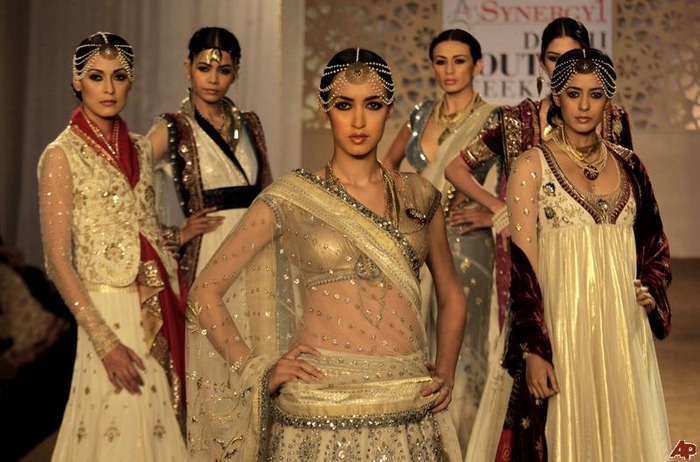 Top Indian Fashion Designers You Must Wear!