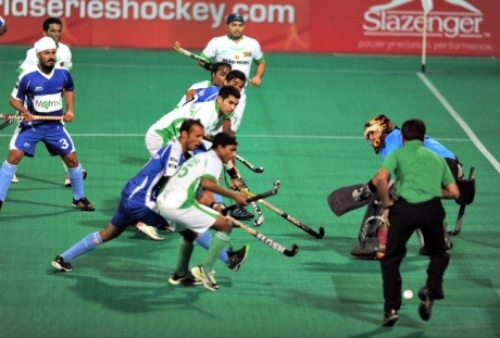 Hockey India League: Owned By Bigwigs, Still Looking For Funds!