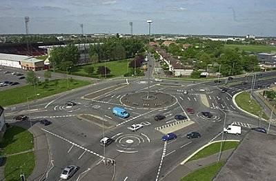 Record Breaking Roads Across The Globe - Magic Roundabout In Swindon