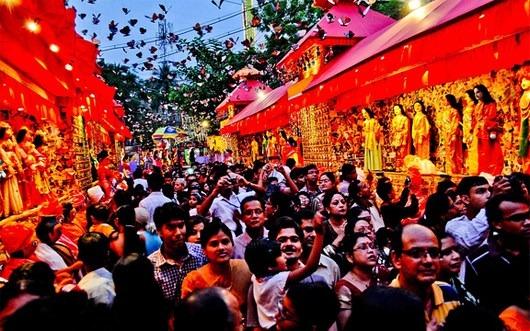 Things All Bengalis Do During Durga Puja