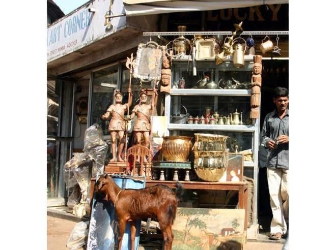 Most Famous Antique Markets In India-Chor Bazaar, Mumbai