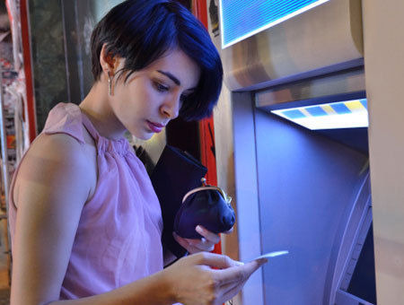 10 Most Annoying Things People Do Inside An ATM