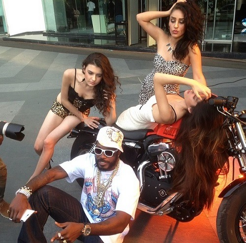 10 Photos That Prove Chris Gayle Is The Coolest Cricketer!