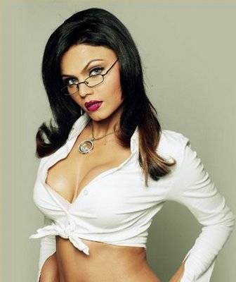 10 Reasons Why Rakhi Sawant Is The Queen Of Stupidity