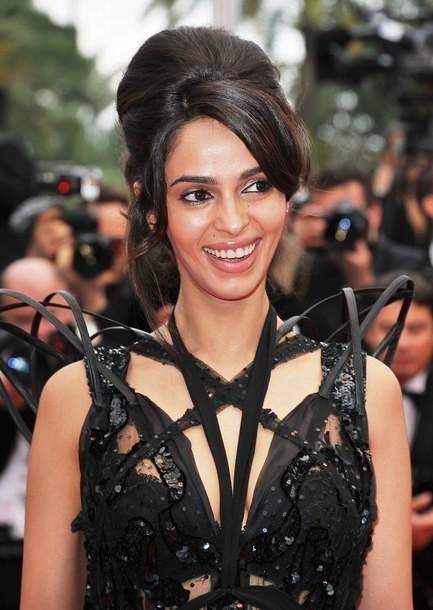 Tack Alert: Mallika Sherawat's WORST Fashion Disasters!