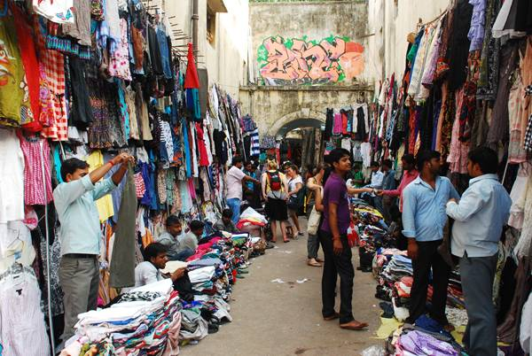 Popular Shopping Places In Delhi - Sarojini Nagar