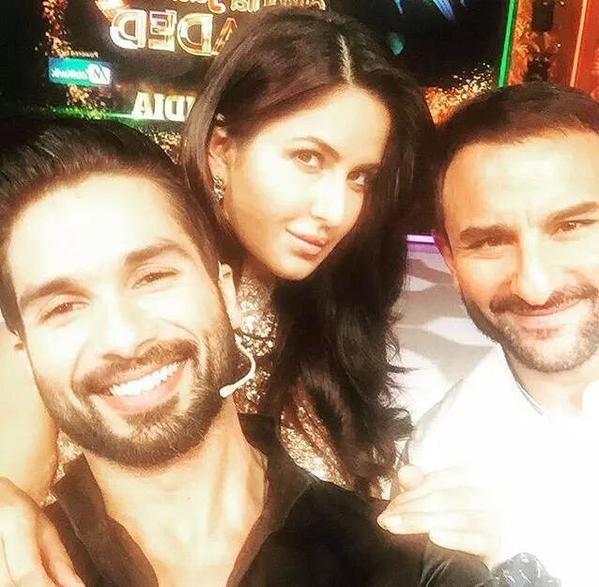 Awkward! Shahid Clicks A Selfie With Kareena's Hubby Saif Ali Khan