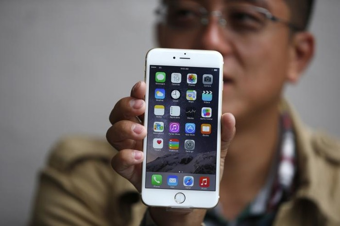 Apple Admits IPhone 6 Plus Has A Faulty Camera, Promises To Replace