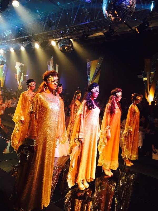 Bling It On: Bollywood Celebs Galore At Lakme Fashion Week 2015