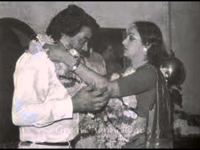 Richest Celebrity Couples - Dharmendra & Hema Malini