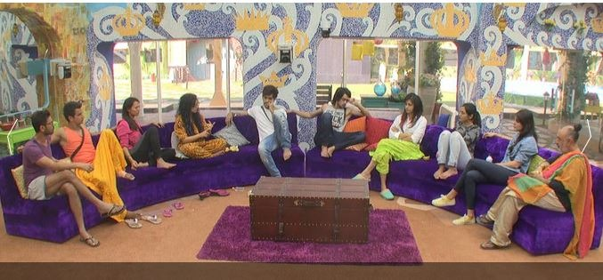 Have You Noticed Bigg Boss 9 Getting Over At 11:10pm?