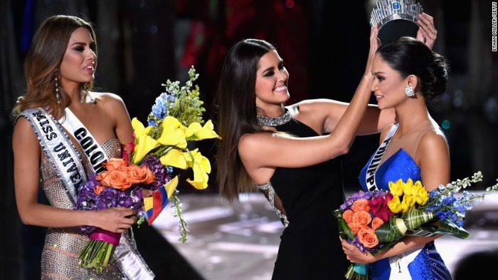 See What Happened When Miss Universe 2015 Was Wrongly Crowned