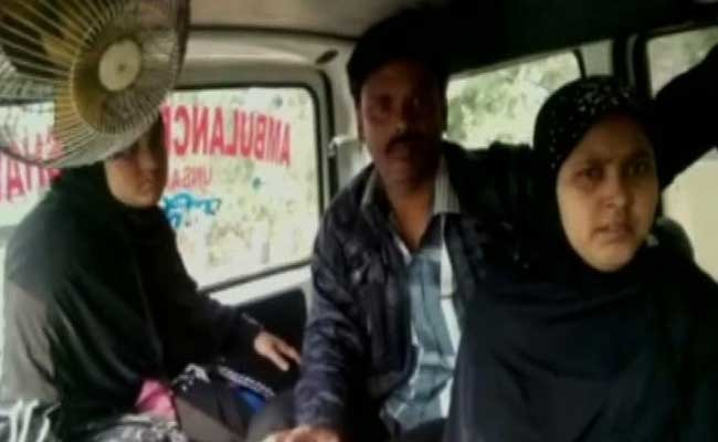 Heart Attack Patient Made To Wait While Mamata Banerjee's Convoy Passes By!