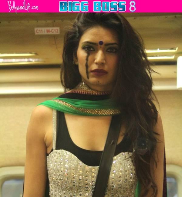Is Karishma Tanna Playing Dirty Game?