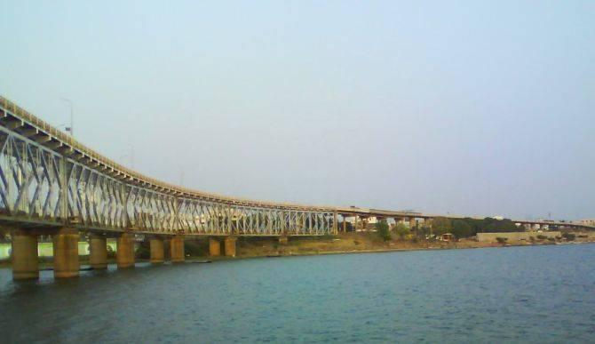 Vallarpadam Rail Bridge - The Longest In India