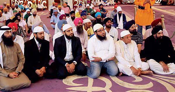 Sikh Gurdwara In Dubai Holds A Huge Ramadan Dinner For Muslims, To come Together