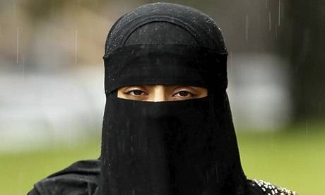 SHOCKING: Muslim Mother In UK Attacked For Wearing Head Scarf