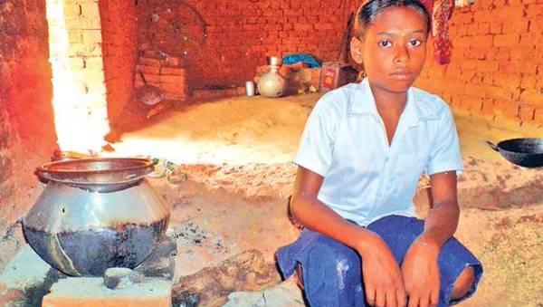 Kudos! Orphaned Tribal Girl Lives Alone, Sells Firewood But Never Skips Classes