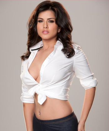 5 Reasons Why Sunny Leone Is Every Guy's Dream Woman