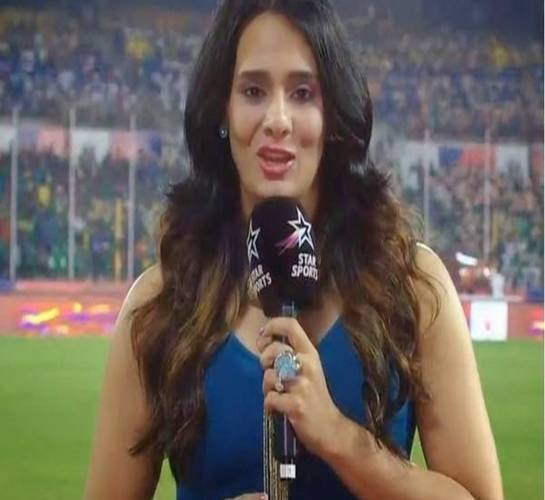 Top Female Anchors Of IPL - Mayanti Langer
