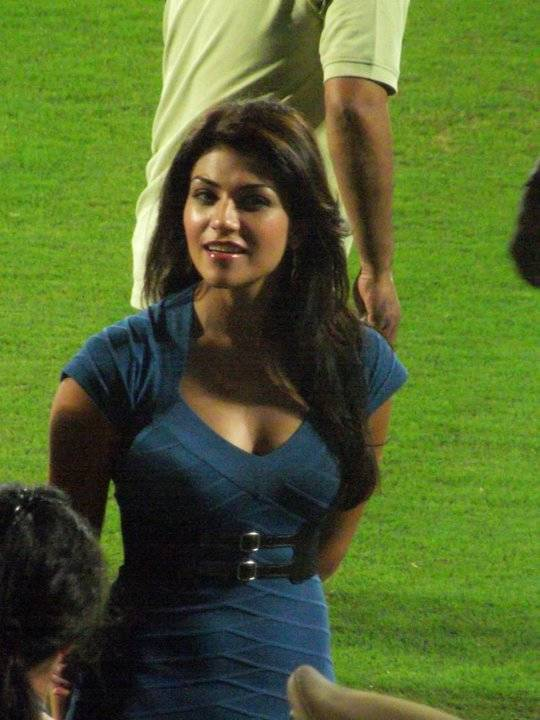 Top Female Anchors Of IPL - Archana Vijaya