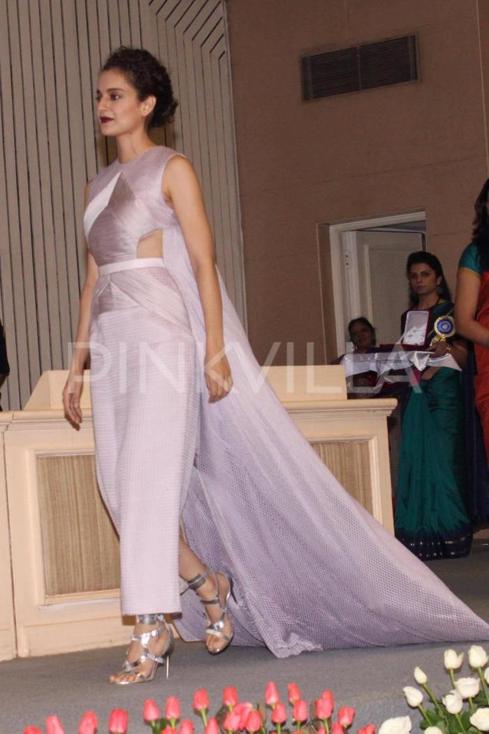 Kangana Ranaut's Inappropriate Dress At National Awards