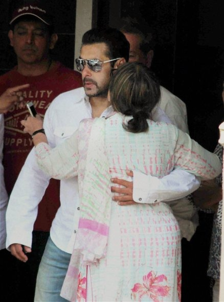 Mumbai High Court Suspends Salman's Conviction; No Jail For Him As Of Now