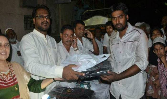 Kudos! Pune Muslim Celebrate Diwali By Donating Rs 12 Lakh To Fire Victims