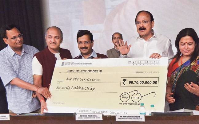 The Centre And Kejriwal Join Hands For 'Swachh Delhi Abhiyan'