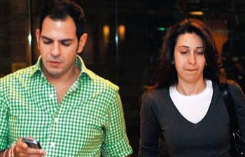 Oops! An Unexpected Turn In Karisma Kapoor And Sanjay Kapur's Divorce