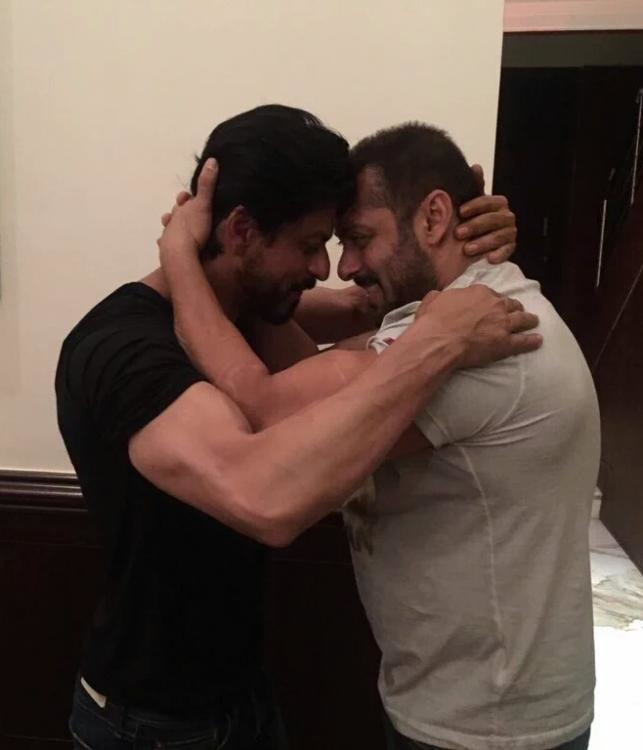 This Will Make Your Day: When Bhai Wished SRK!