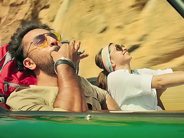 Tamasha Review: Ranbir Makes The Big Comeback And This Time Chases His Dream