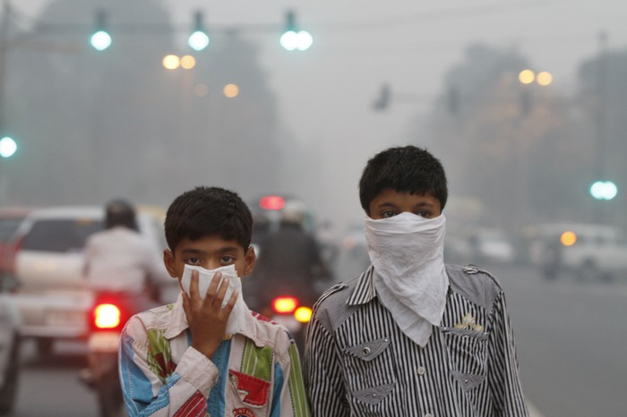 Delhi's Air Pollution Levels Are ALARMING! What's The Govt. Doing?
