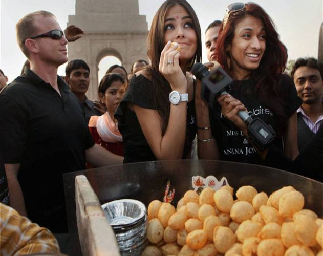 Why Do Girls Like Paanipuri More Than Boys ???? Please Suggest Answer.