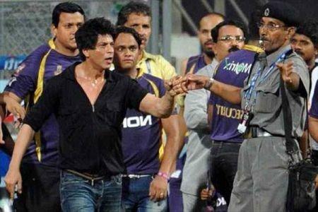 #IStandWithSRK: Bollywood Celebs Back King Khan In The Intolerance Debate