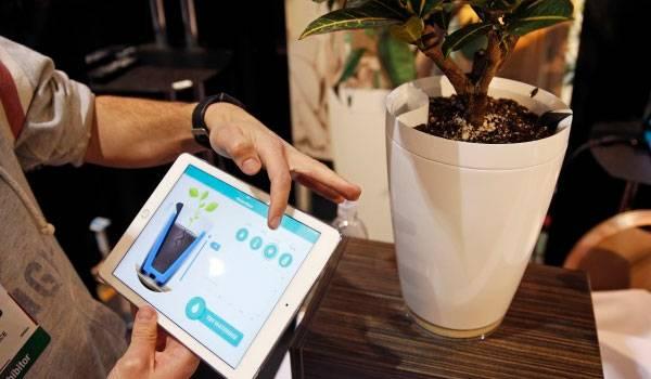 Unbelievable Gadgets That Actually Exist - Parrot Pot