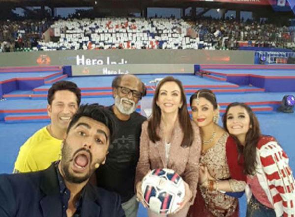 Epic Selfies That Rocked Bollywood This Week