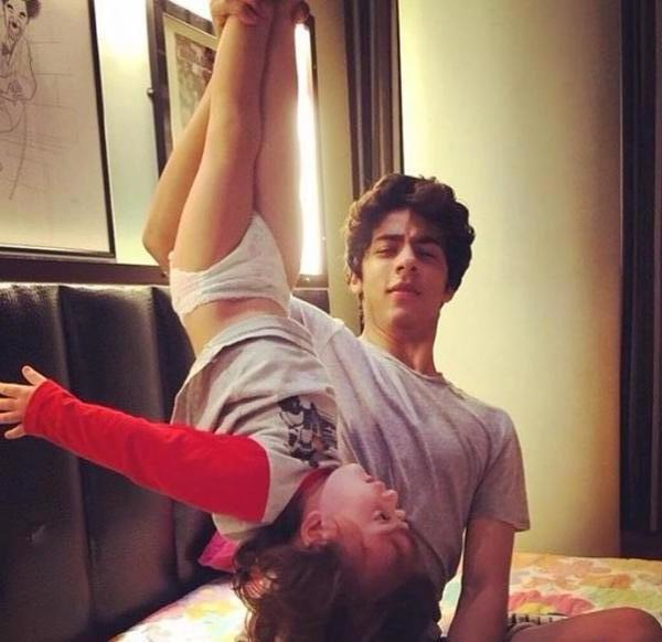Aww: SRK Shares An Adorable Picture Of Aryan And AbRam