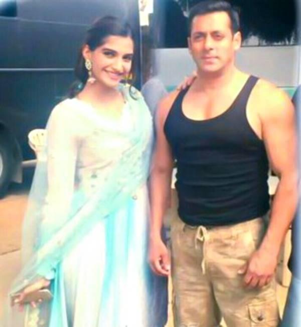 Salman Khan Tweets First Look Of 'Prem Ratan Dhan Payo'
