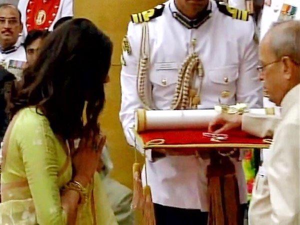Priyanka Chopra's Receives Padma Shri From President Pranab Mukjherjee