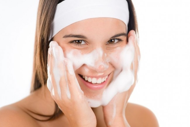 Pimple Free Skin Decoded: Here's All You Need To Do For An Acne-free Glowing Skin