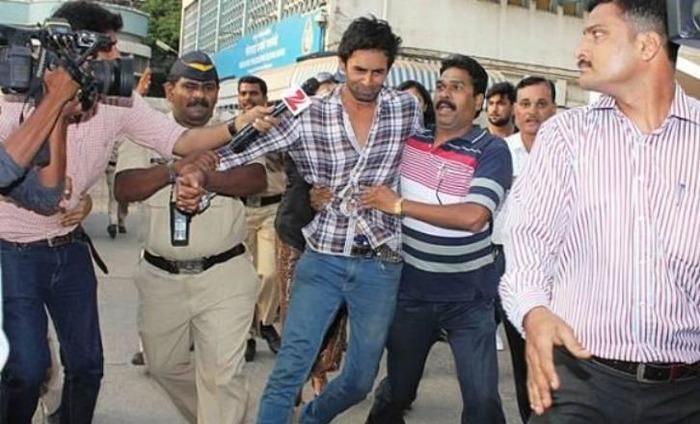 Pratyusha Banerjee's Boyfriend Rahul Raj Singh Threatens To Jump Off The Building