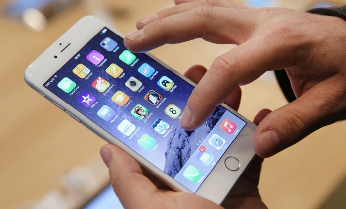 Apple Stumbles As IPhone Revenue Declines In 13 Years
