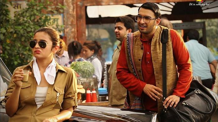 Watch Ranveer Singh & Alia Bhatt In Funny MakeMyTrip Ads