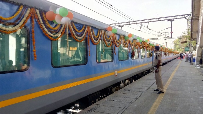 Gatimaan Express Is Here: Now Reach Agra In 100 Minutes