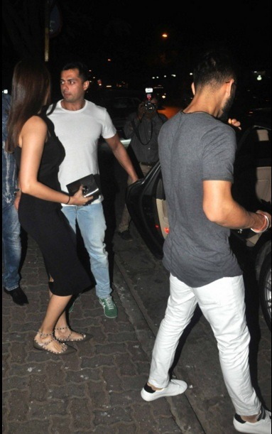 Virat And Anushka's Secret Dinner Date: Breakup Out Of The Window?