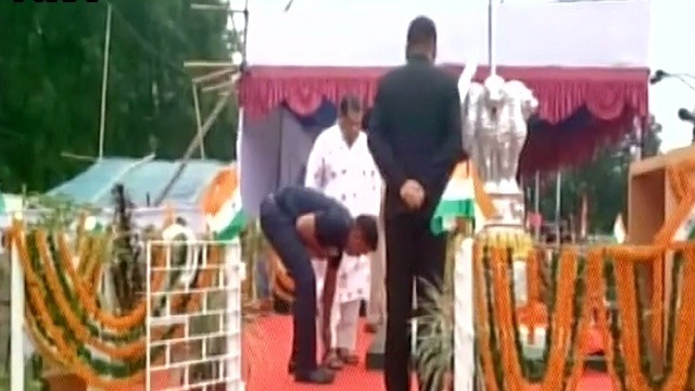 Odisha Minister Makes His Personal Security Officer Tie His Shoelace In Public